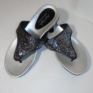 Soft Style Hush Puppies Moyen Glitter Thong Sandal